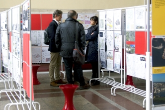 Discussions between the exhibition of the shortlisted projects